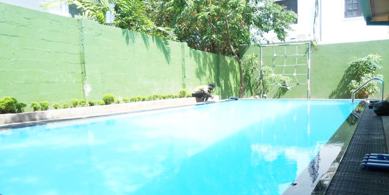 Anderson road apartment dehiwala the best luxury apartments for rent and sale in colombo for Phoenix swimming pool white city