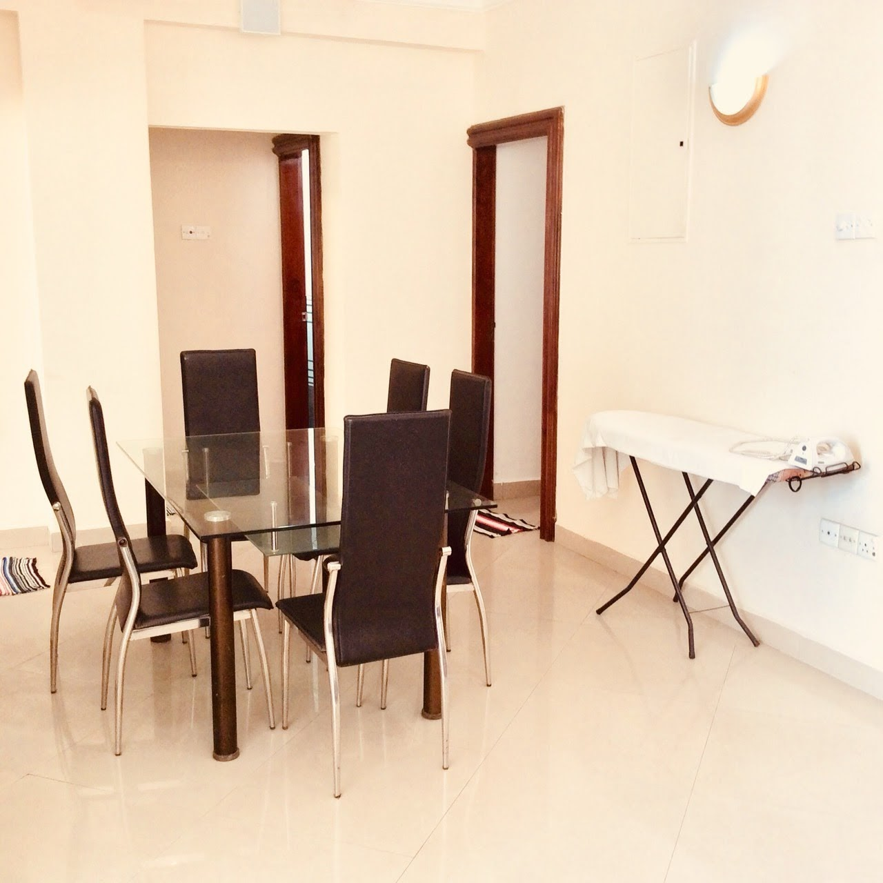 Furnished Apartments For Rent: 3 Room Furnished Apartment For Rent